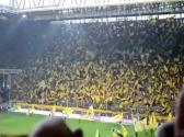 Torcida do Borussia Dortmund - A mais fanática do mundo! IMPRESSIONANTE! - YouTube
